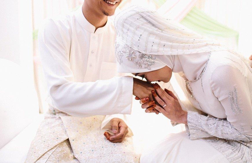 Mergindamas mane pakistanietis nesitardamas nusprendė kur gyvensiu, kuo dirbsiu ir kada už jo tekėsiu.