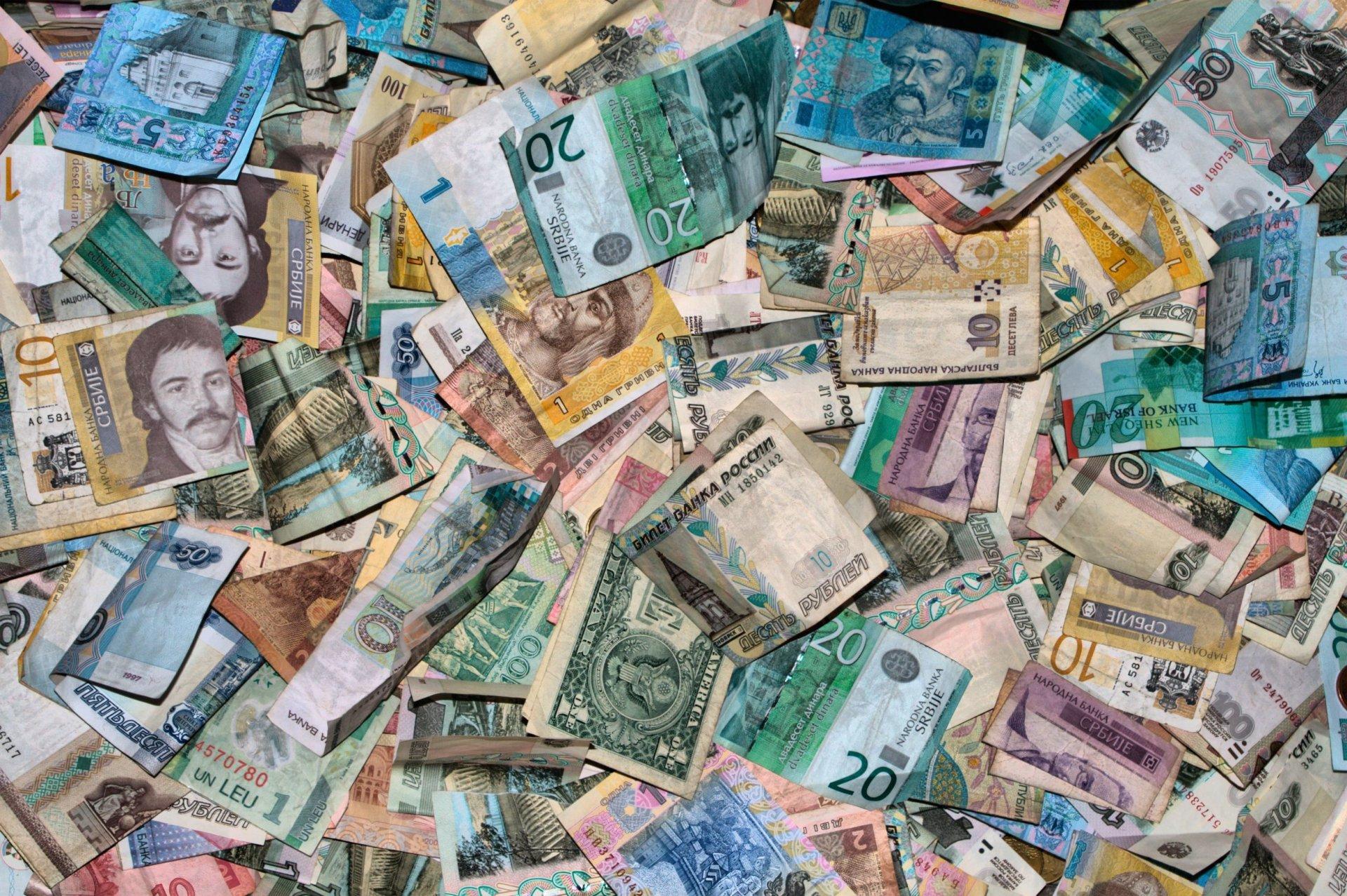 Vietinė ir išankstinė užsienio valiutų prekyba