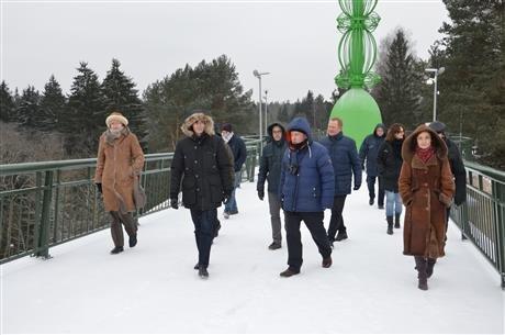 Skulptūra prie Alytaus pėsčiųjų tilto