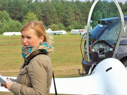 """Asm.archyvo nuotr./Prieš atvykdama į Bulgariją Justina dirbo žurnale """"Aviacijos pasaulis"""", gyvendama Bulgarijoje darbą jame kurį laiką tęsė nuotoliniu būdu"""