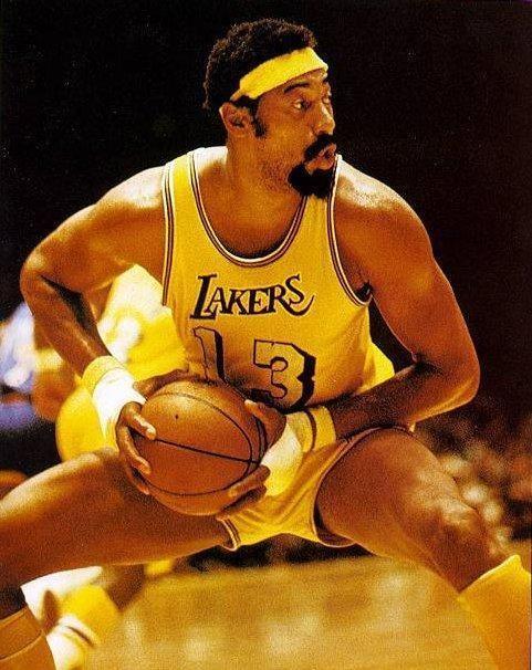 Wiltas Chamberlainas – pirmasis NBA stileiva, išpopuliarinęs galvos raištį