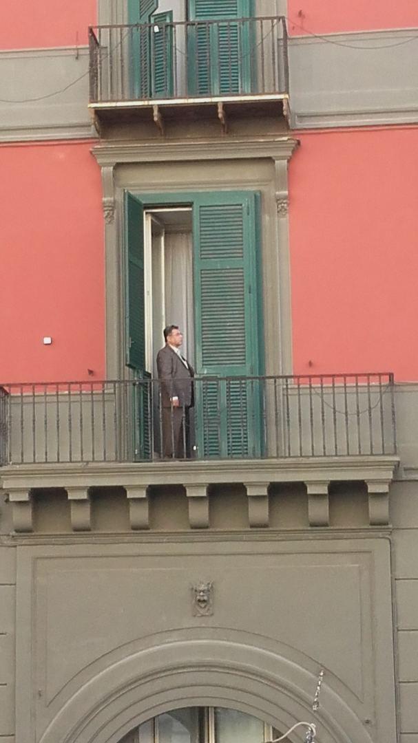 aš siūlau namo darbą neapolyje)