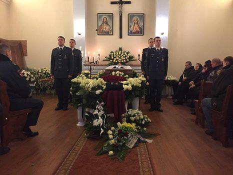 Policijos nuotr./Žuvusio pareigūno laidotuvės