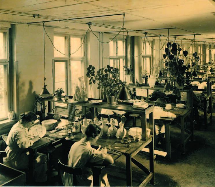 Skonis.lt archyvo nuotr. /Darbo diena porceliano fabrike