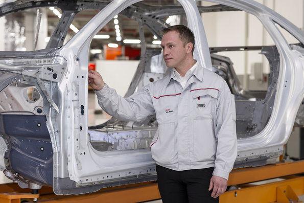 """""""Audi A8"""" kėbulas"""