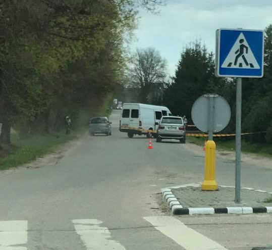 Feisbuko nuotr./Nusikaltimo įvykdymo vieta: šiuo autobusiuku važiavo įtariamieji užpuolikai
