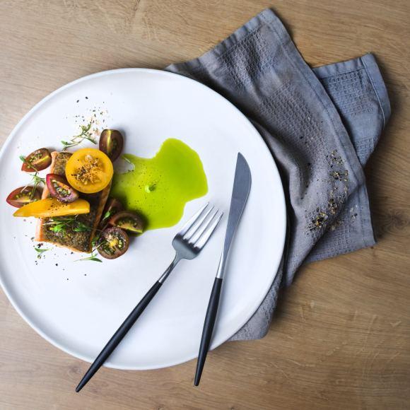 Valerijos Sto nuotr./Kepta žuvis su pomidorais