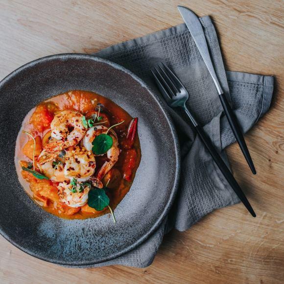 Valerijos Sto nuotr./Krevetės su pomidorų padažu