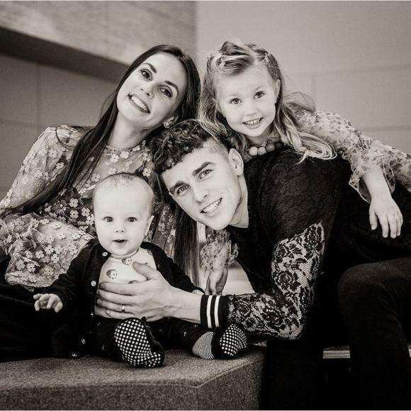 Asmeninė nuotr. /Donatas Montvydas Su žmona Veronika ir vaikais