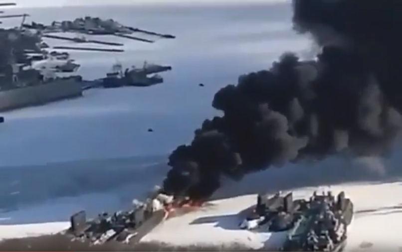 Vladivostoke užfiksuoti liepsnojantys laivai