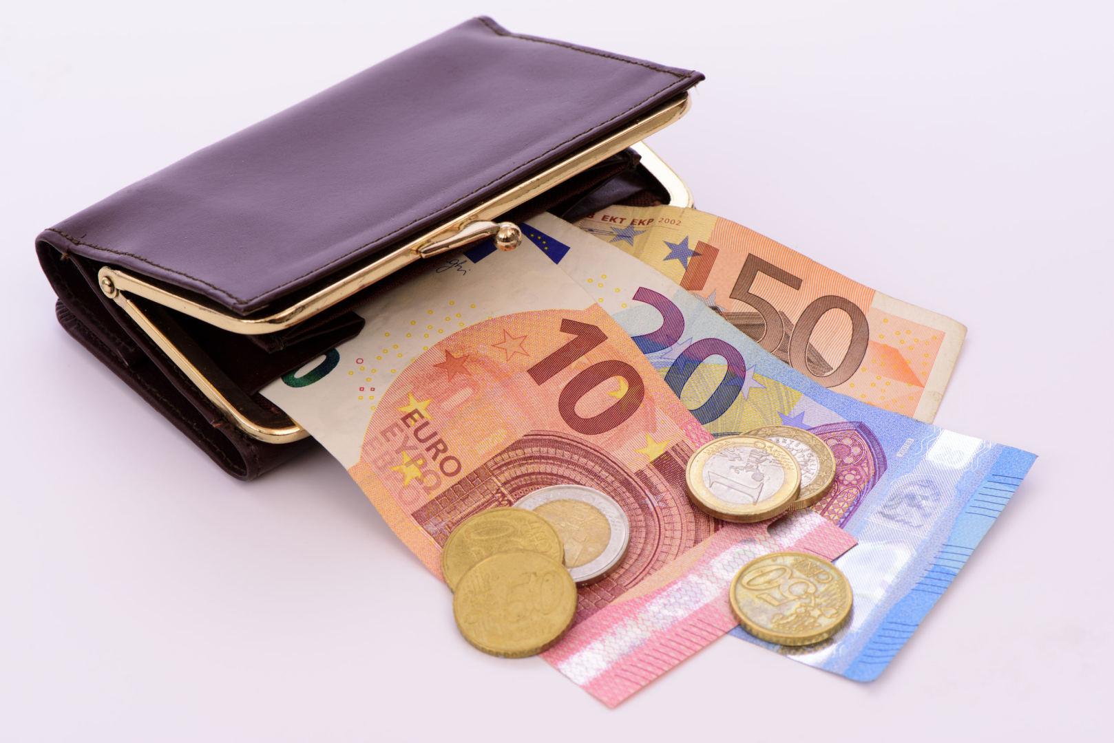 kaip kasdien kaupti pinigus kaip valdyti bitcoin prekybą kas yra forex brokeris