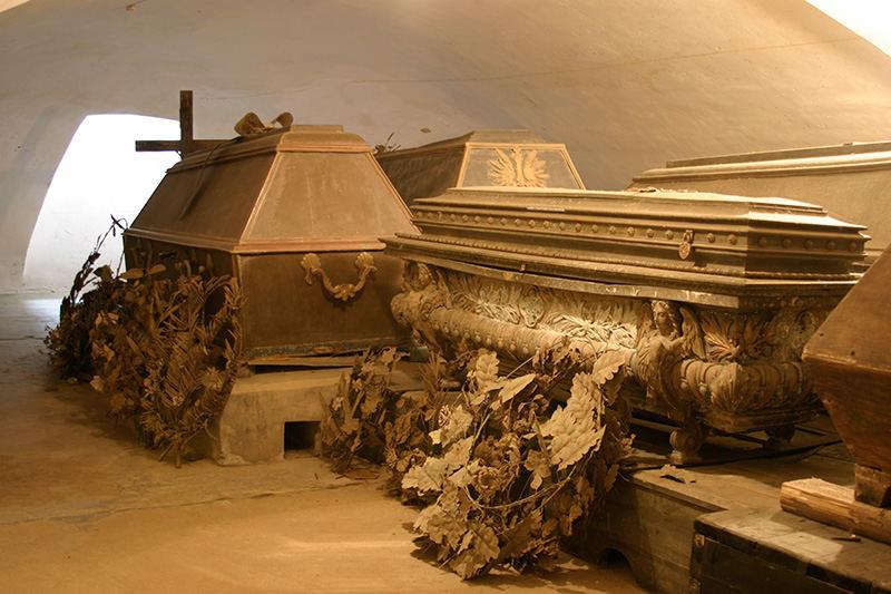 Radvilų sarkofagas Nesvyžiaus bažnyčioje Baltarusijoje