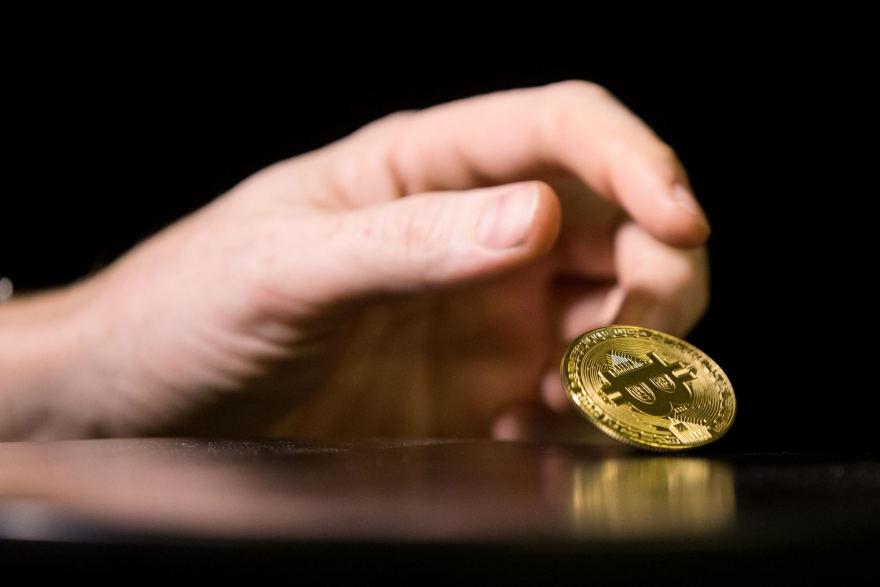 bitkoinas krenta kai piet korja planuoja prekybos draudim