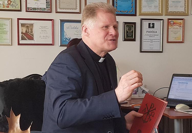 Klebonas Vytautas Gedvainis