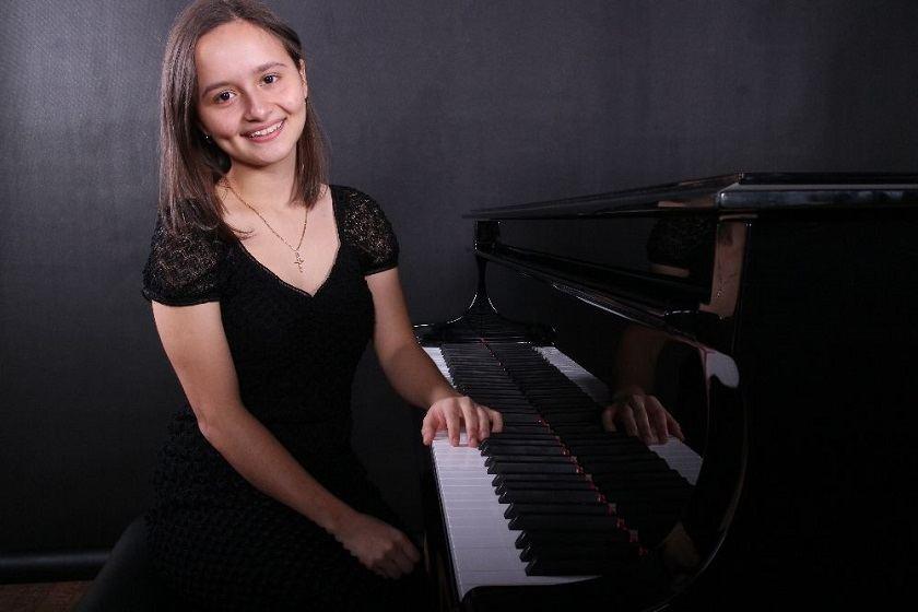 Kauno miesto simfoninis orkestras pristato pianistę iš Kosta Rikos Daniela Navarro