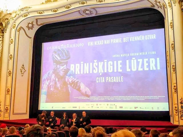 """Filmo """"Nuostabieji lūzeriai. Kita planeta"""" premjera Latvijoje"""