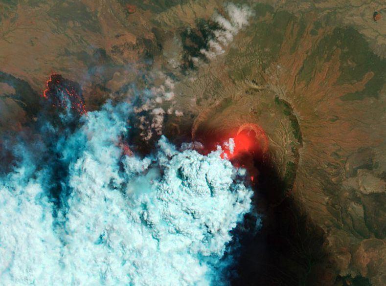 Ugnikalnis Kamčiatkoje išsviedė net 6 km aukščio pelenų stulpą