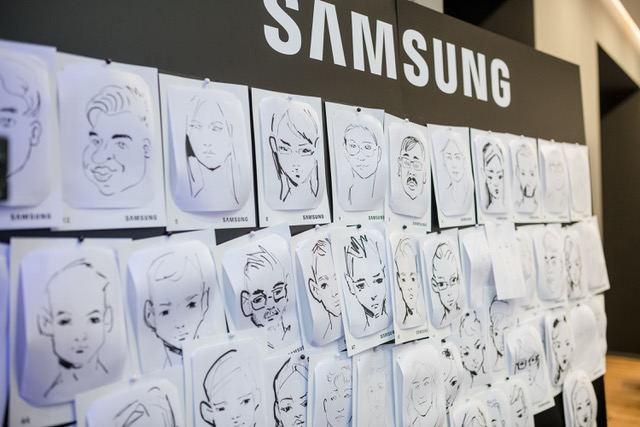 """""""Samsung"""" Klaipėdoje atidarė naują parduotuvę."""