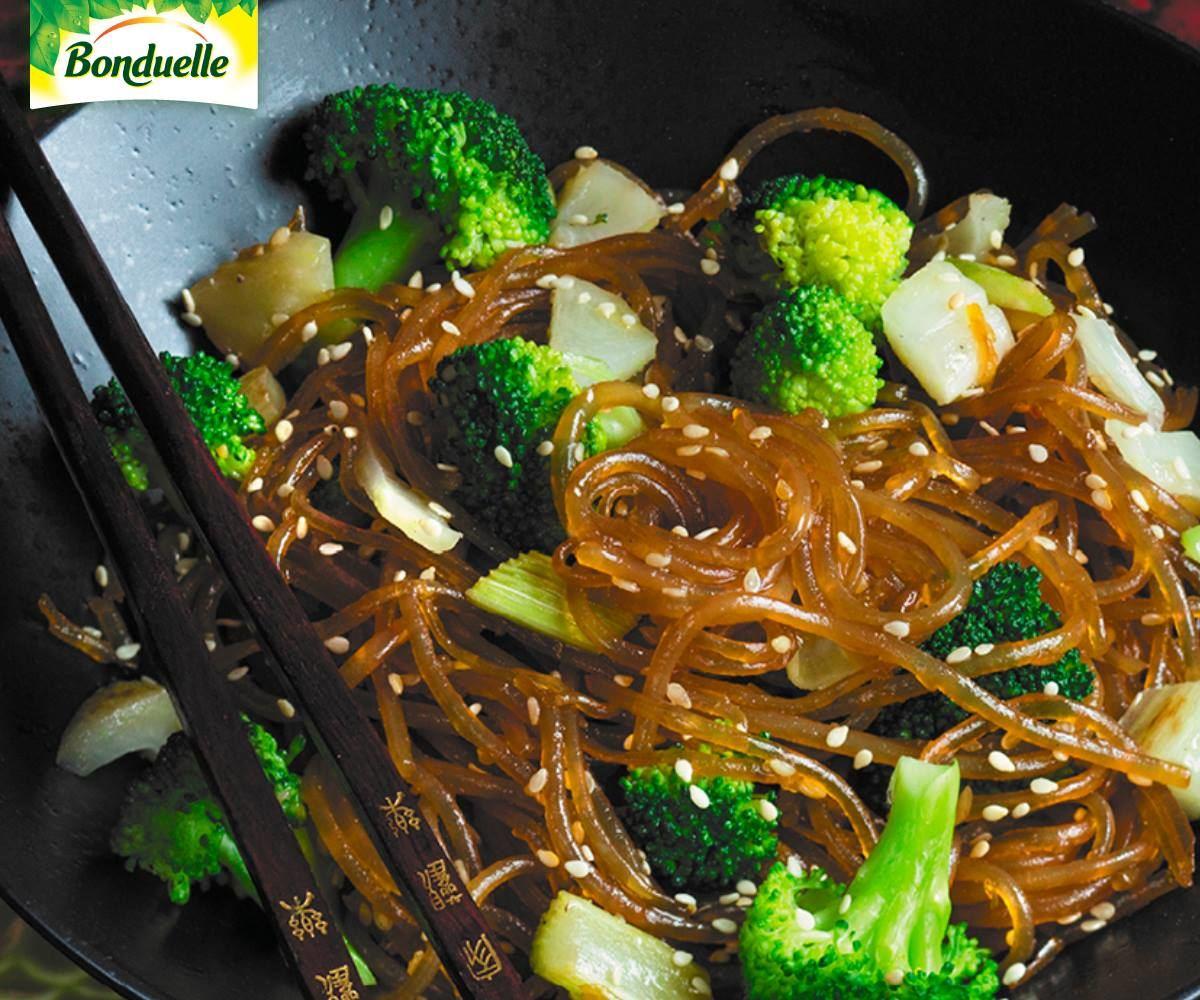Ryžių makaronai su brokoliais ir pankoliu | Maistas | 15min lt
