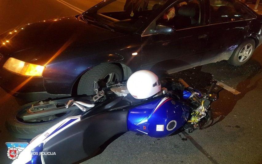 Automobilio ir motociklo susidūrimas
