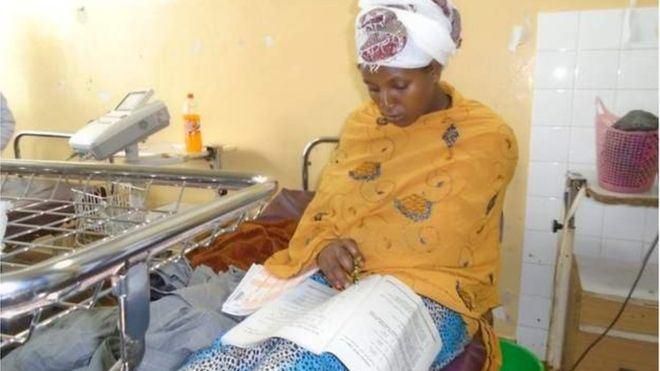 Moteris iš Etiopijos laikė egzaminus ligoninės lovoje, praėjus vos 30 minučių po gimdymo.