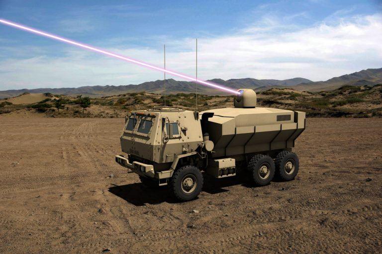 """""""Dynetics""""/""""Lockheed Martin"""" pateikta 100 kW lazerio, sumontuoto ant sunkvežimio, koncepcija"""