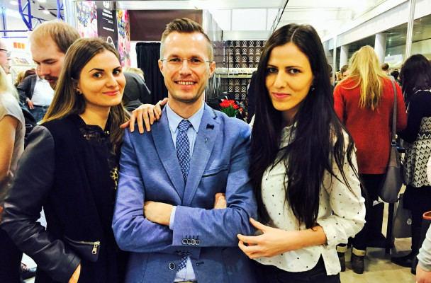 Gediminas Degėsys su Vilniaus universiteto studentėmis Indre bei Kornelija