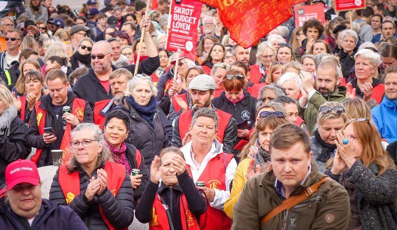 Danijos profsąjungų nariai per protestą