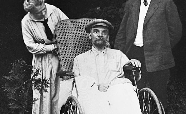 Vladimiras Leninas Gorkuose (1923 m.)