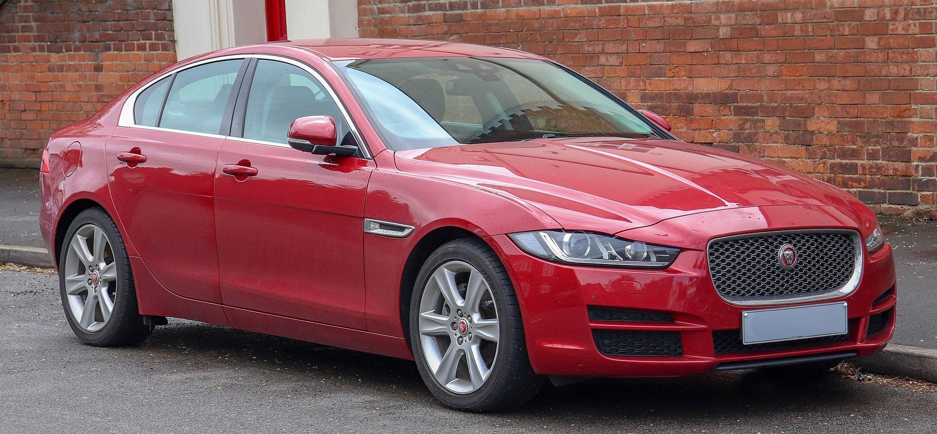 """Jaguar"""" galvoja, kuo reikės pakeisti XE ir XF: svarstomi"""