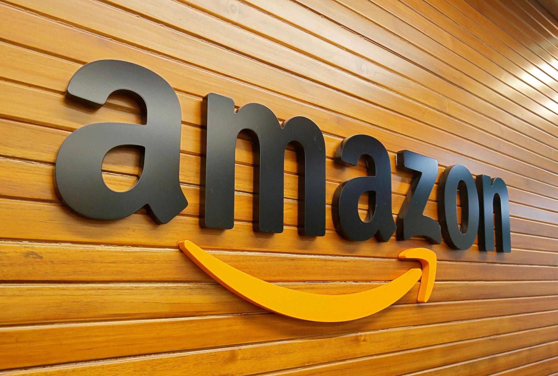 """Trumpas apkaltino """"Amazon"""" griaunant JAV prekybos sistemą - Verslo žinios"""