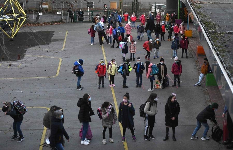 Vokietijoje dalis moksleivių grįžo į mokyklas