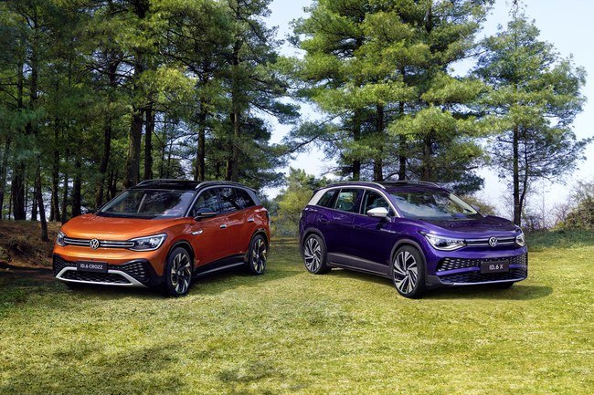 Volkswagen pristatė ID.6 X ir ID.6 Crozz