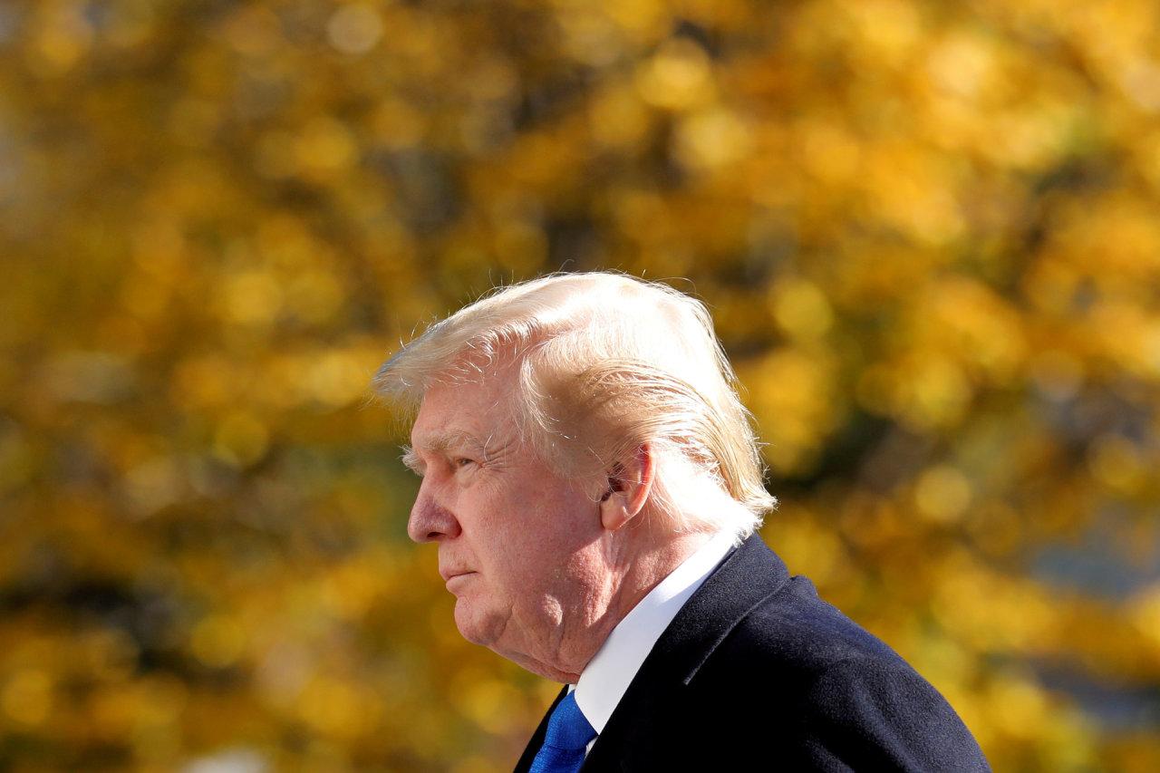 Išvykstantis D.Trumpas sulaukė išlydėtuvių, bet pristigo savo gerbėjų meilės