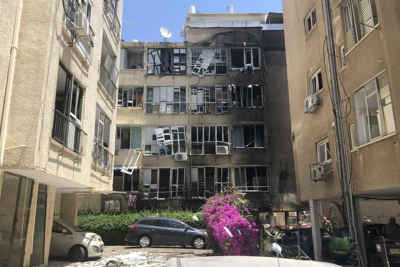 """Izraelio aviacija smogė """"Hamas"""" politinio padalinio vadovo Gazos Ruože namams"""