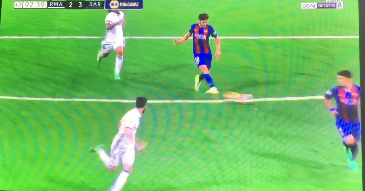 Lionel Messi Goal vs Real Madrid 3-2  ec4ba69797984