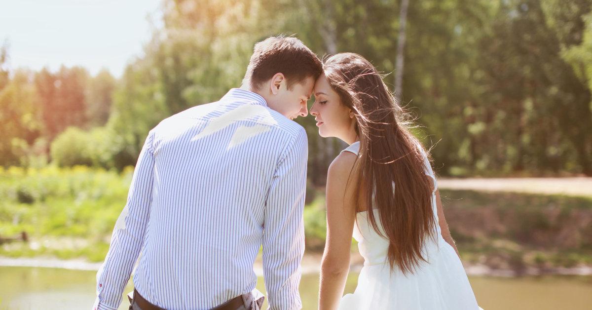 Simtmecio meiles istorija online dating