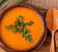 Imbierinė pomidorų ir lęšių sriuba