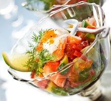 Daržovių salotos su ikrais ir krapais