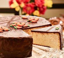Karališkas šokoladu aplietas varškės pyragas