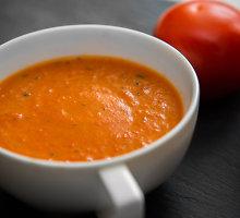 Keptų pomidorų ir paprikų sriuba