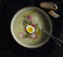 Lengva kreminė žiedinių kopūstų-salierų sriuba