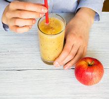 Energijos suteikiantis obuolių kokteilis