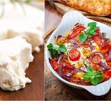 Keptas pomidorų, fetos ir alyvuogių užkandis