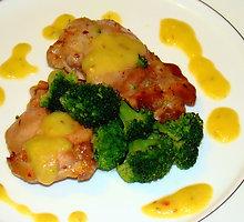 Kepta vištiena su brokoliniais kopūstais