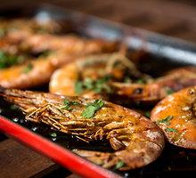 Australietiškai ant grilio keptos krevetės