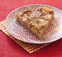 Greitai paruošiamos obuolių pyragas su jogurto kremu