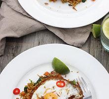 """Indonezietiški kepti ryžiai """"nasi goreng"""""""