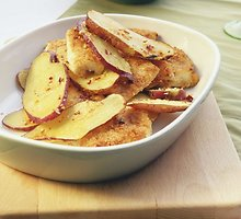 Ant grilio keptos bulvės su česnaku