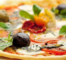 Pica su mocarela ir paprikomis